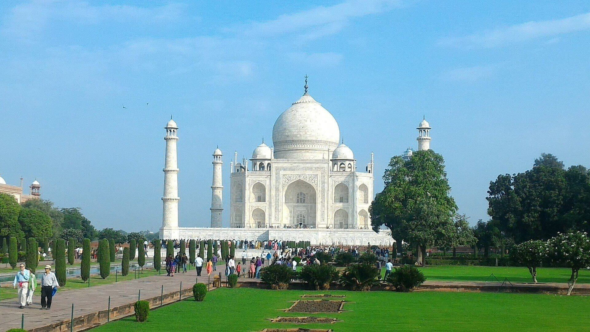 Taj Mahal India by Jasmine Trails
