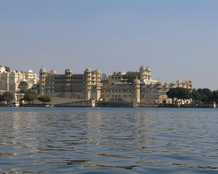 Udaipur Lake Pichola City Palace